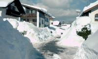 Schnee-Katastrophe--Schaufeln13-02-02-042.png